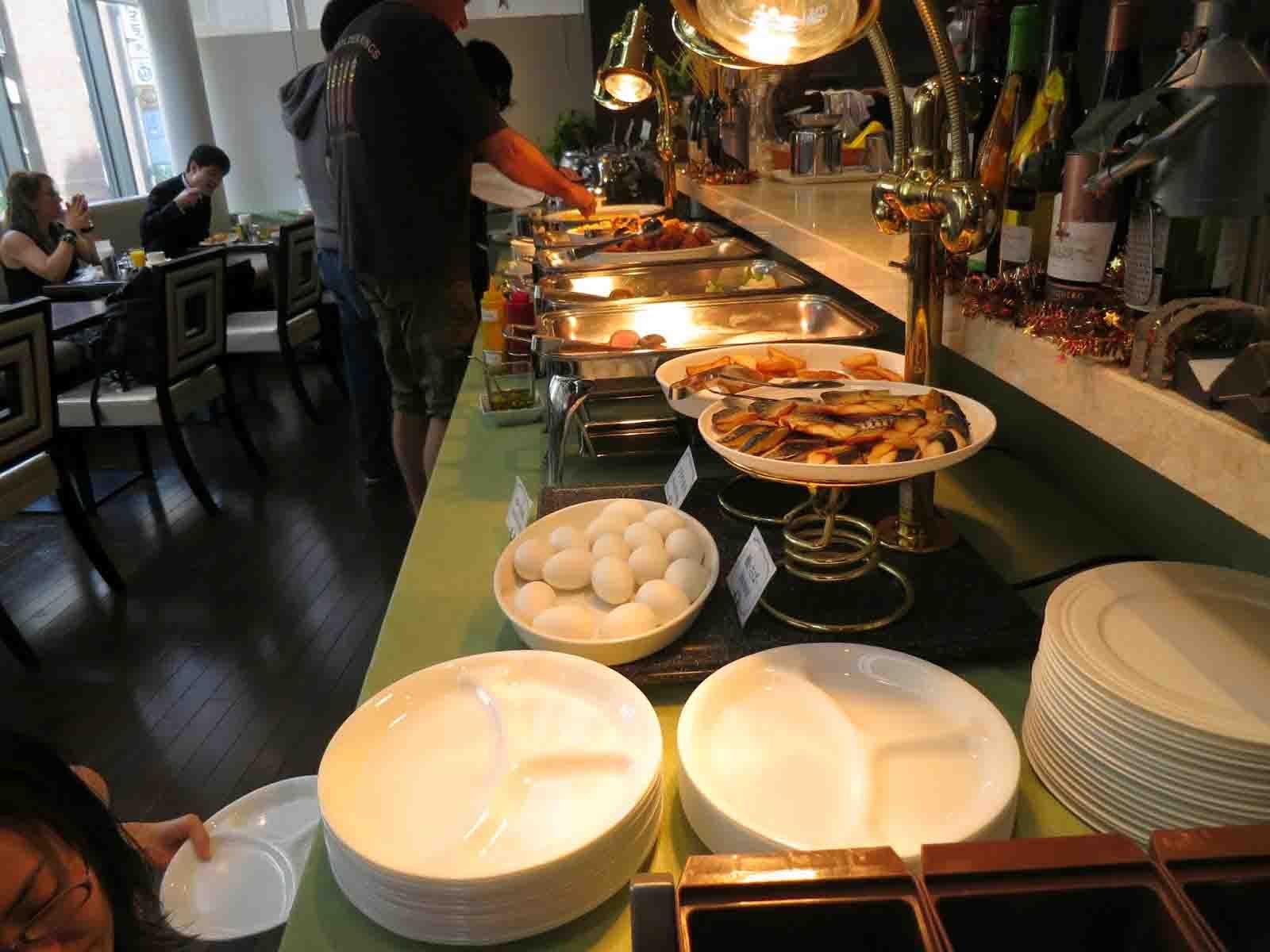 Hotel-breakfast-signature